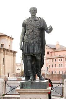 Julius_Caesar_Via_dei_Fori_Imperiali_2.jpg